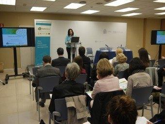 Lucila Finkel de la UCM presentando los resultados del estudio